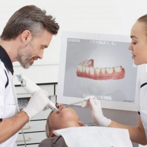 Imagem de um exemplo de atendimento odontológico